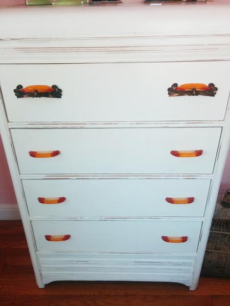dresser2A